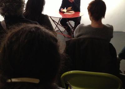 Lecture de Dominique Meens, lors du lancement des posters de Marie-Luce Ruffieux et Dominique Meens et exposition des posters - Librairie histoire de l'œil, Marseille, 1er décembre 2012.
